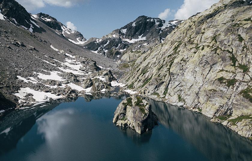 Accèder au lac du Cyclope une randonnée à faire en Savoie. crédit photo : Clara Ferrand - blog Wildroad