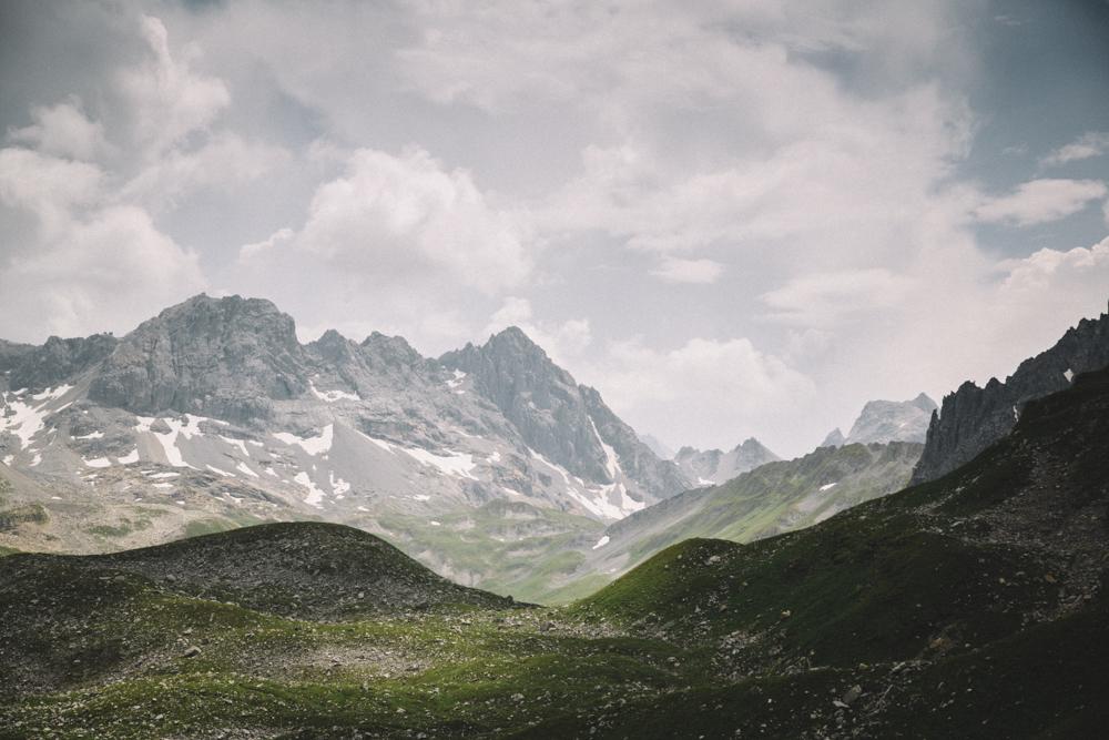Les Lacs Merlet une randonné eà faire en une journée. crédit photo : Clara Ferrand - blog Wildroad