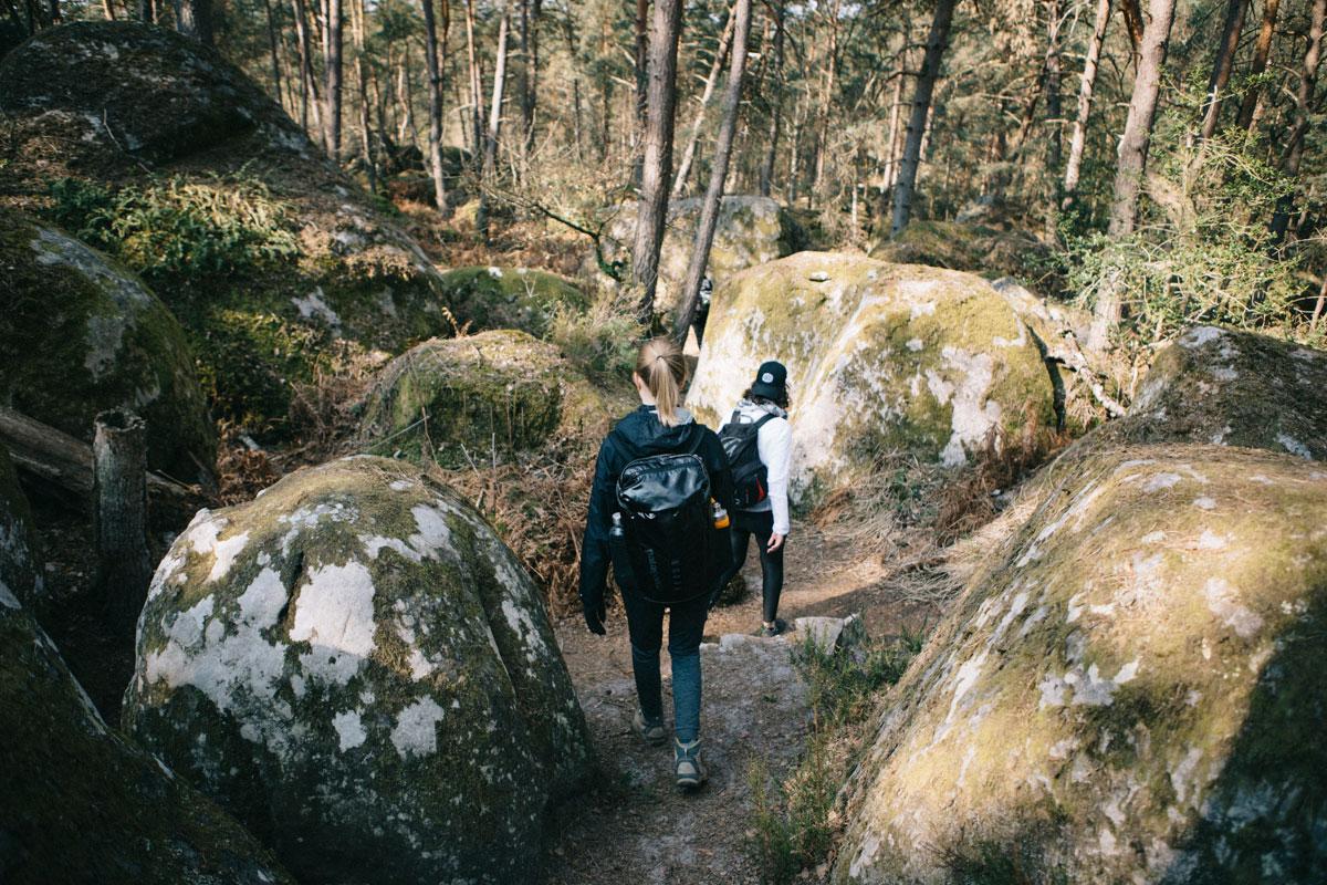 Randonnée entre les bloc de granite fontainebleau week-end itinéraire