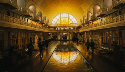 La piscine musée d'art et d'industrie et son bassin