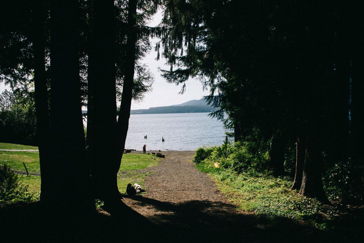 Lac Quinault sur la péninsule olympique dans l'état de Washington