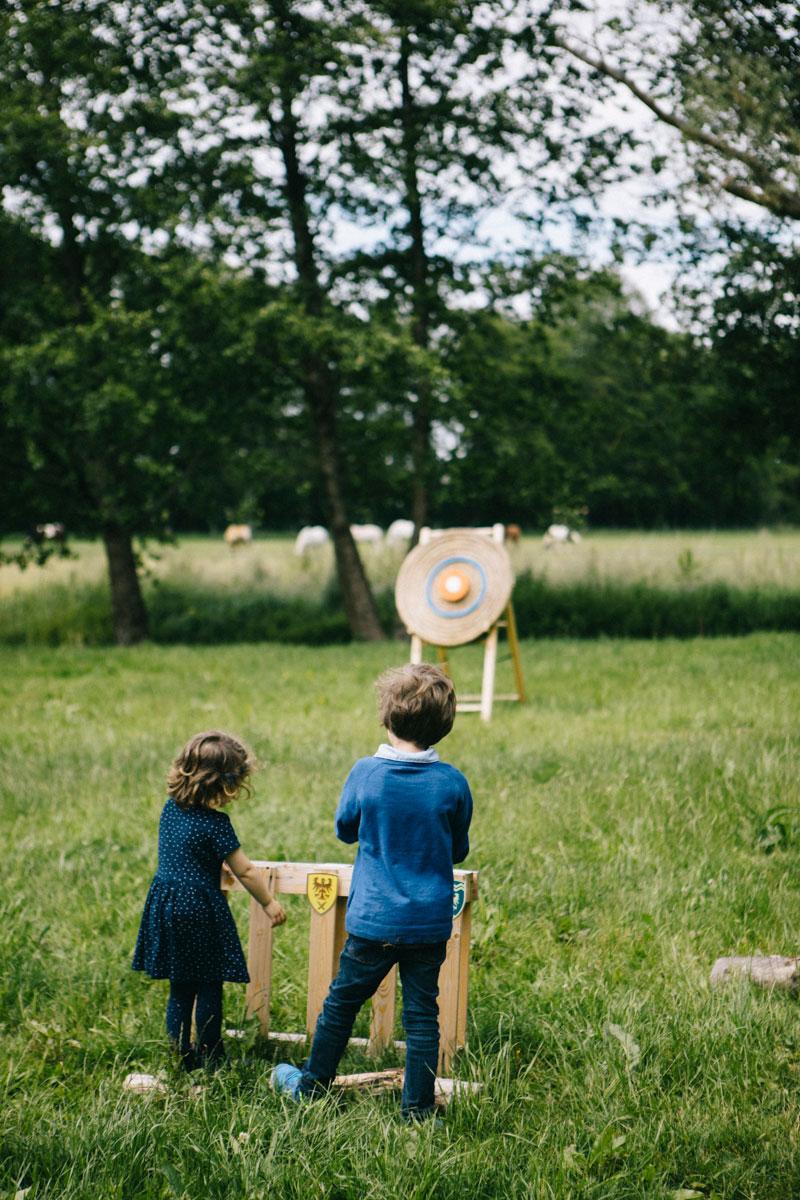 tir à l'arc avec enfant, au barn hôtel Rambouillet