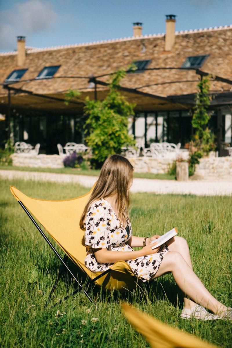 Moment détente dans le jardin , hôtel du Barn