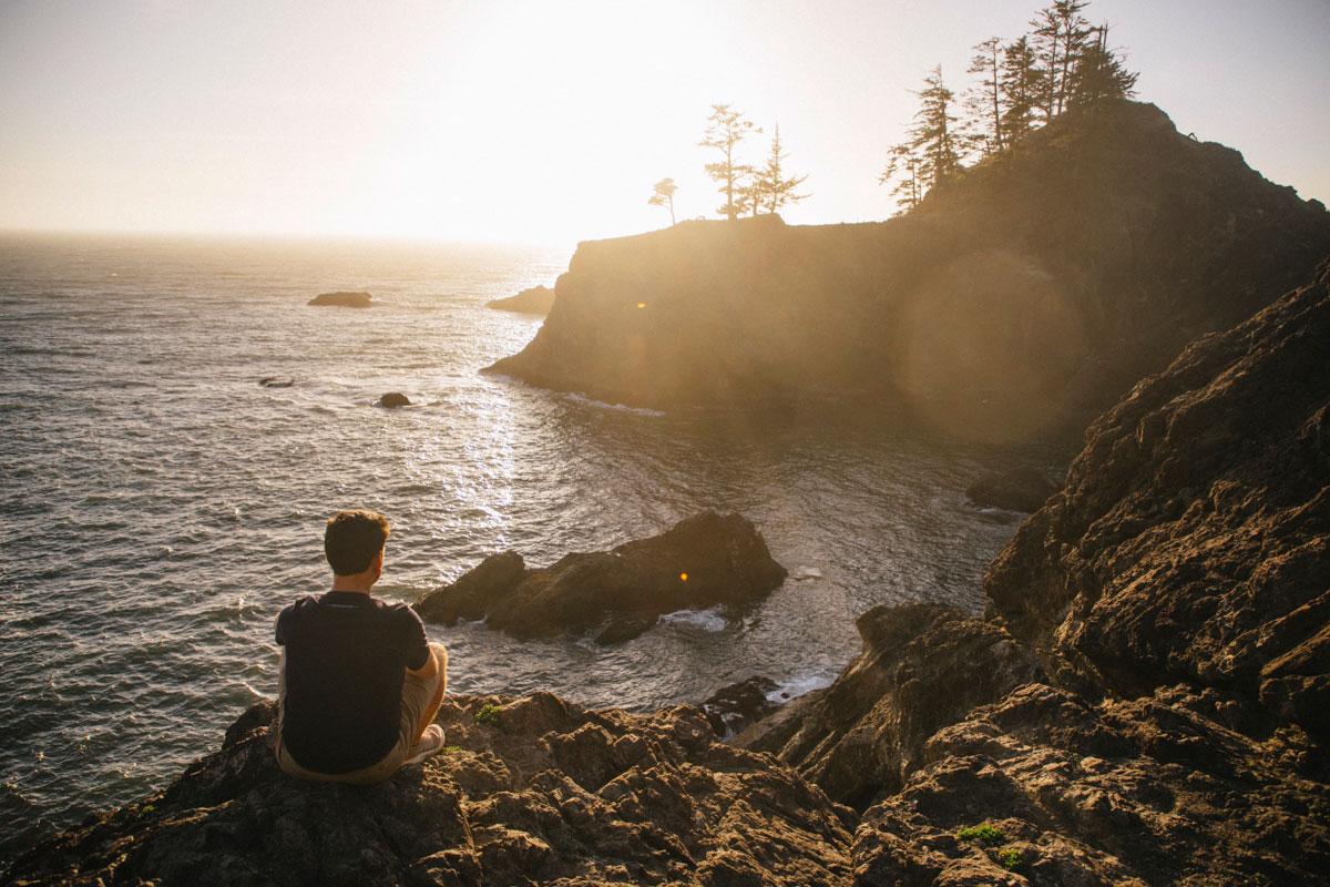 Coucher de soleil sur les rochers de Samuel H Broadman