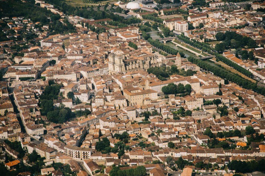 faire du planeur au dessus de la cathédrale d'Auch