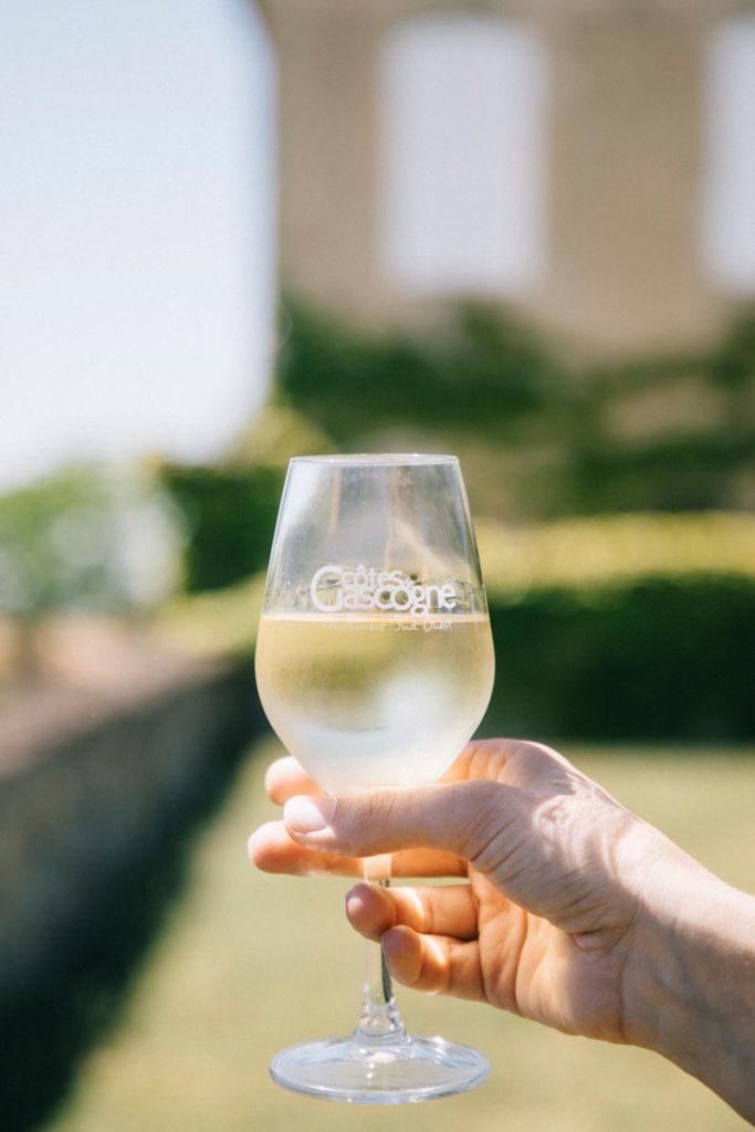 boire un côte de Gasconne dans le Gers