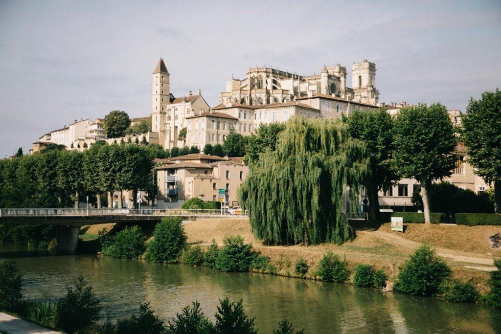 la cathédrale d'Auch et le pont de treille