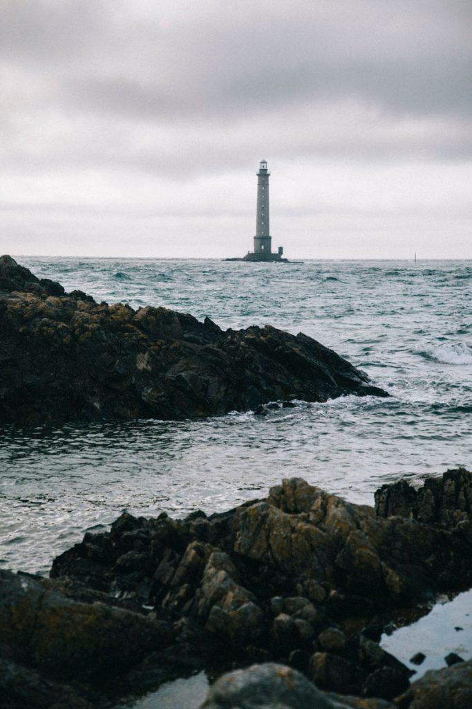 le phare de goury vue de loin