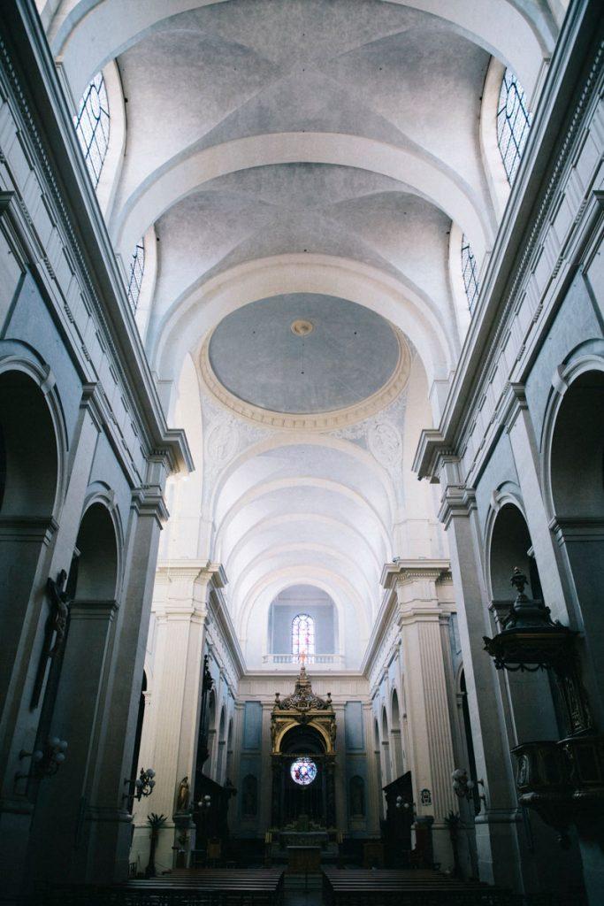 intérieur de la cathédrale notre-dame de l'assomption