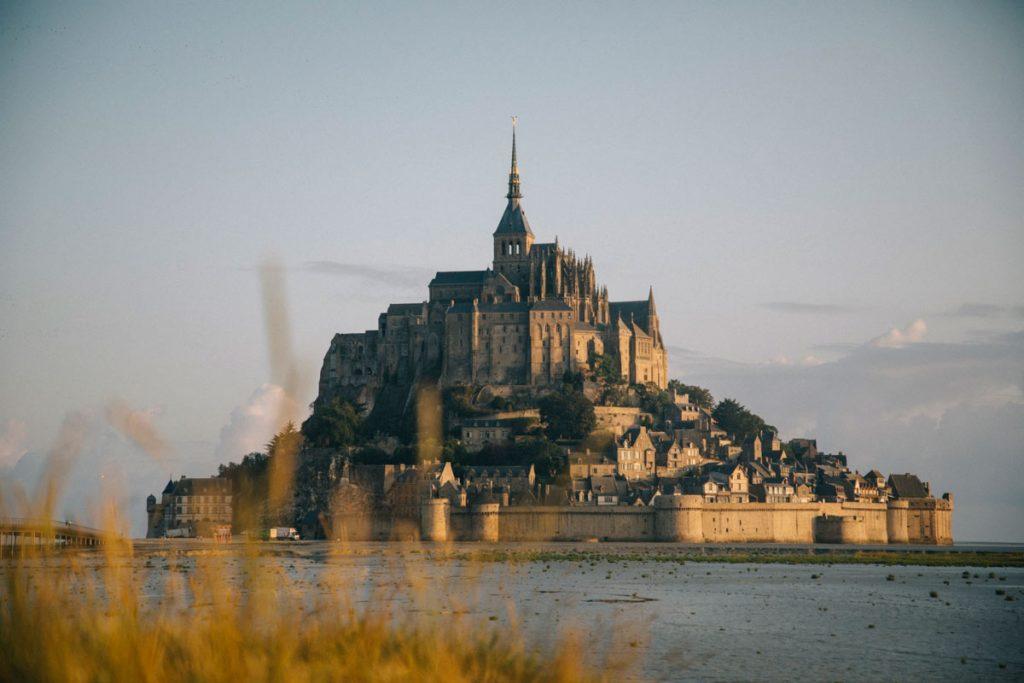 lever de soleil sur le Mont-Saint-Michel