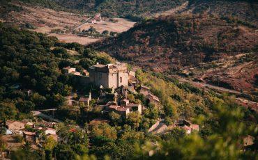 Point de vue sur le château de Dio et ses alentours