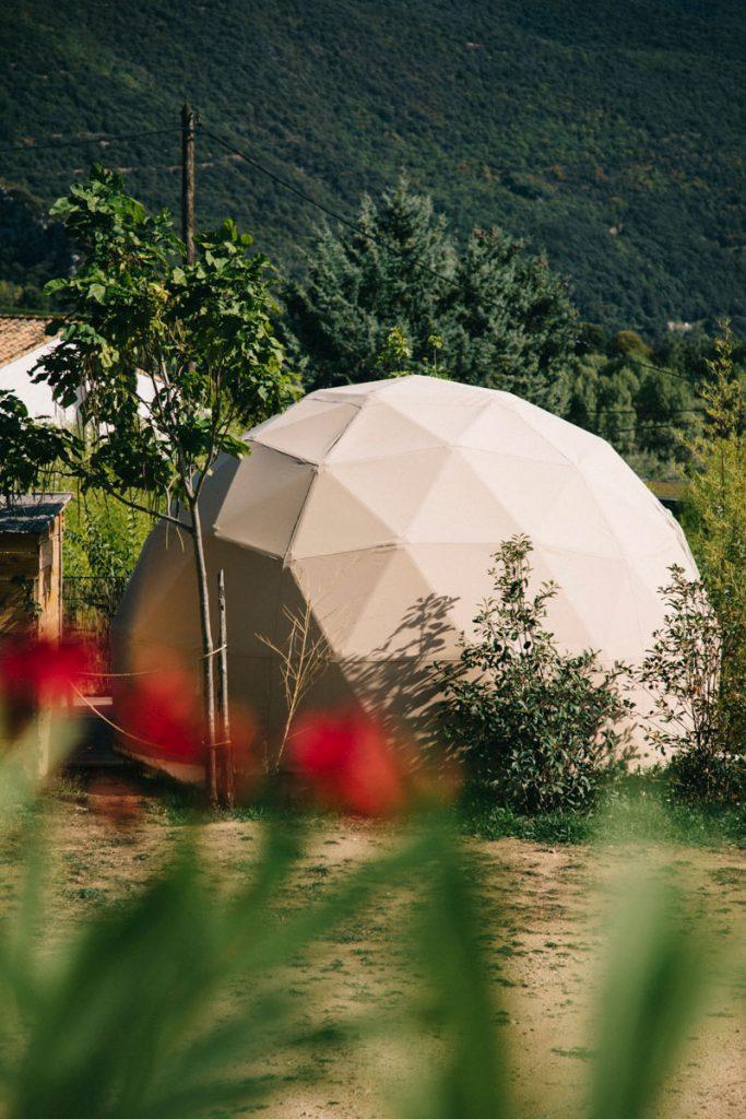 dôme hébergement insolite dans le camping du Caroux