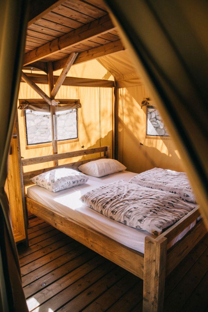 intérieur de la tente canadien du camping du Caroux