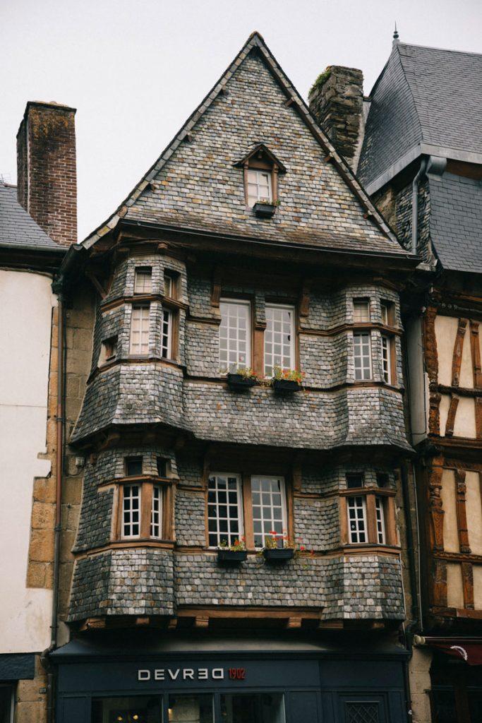 les maisons de la place du général Leclerc
