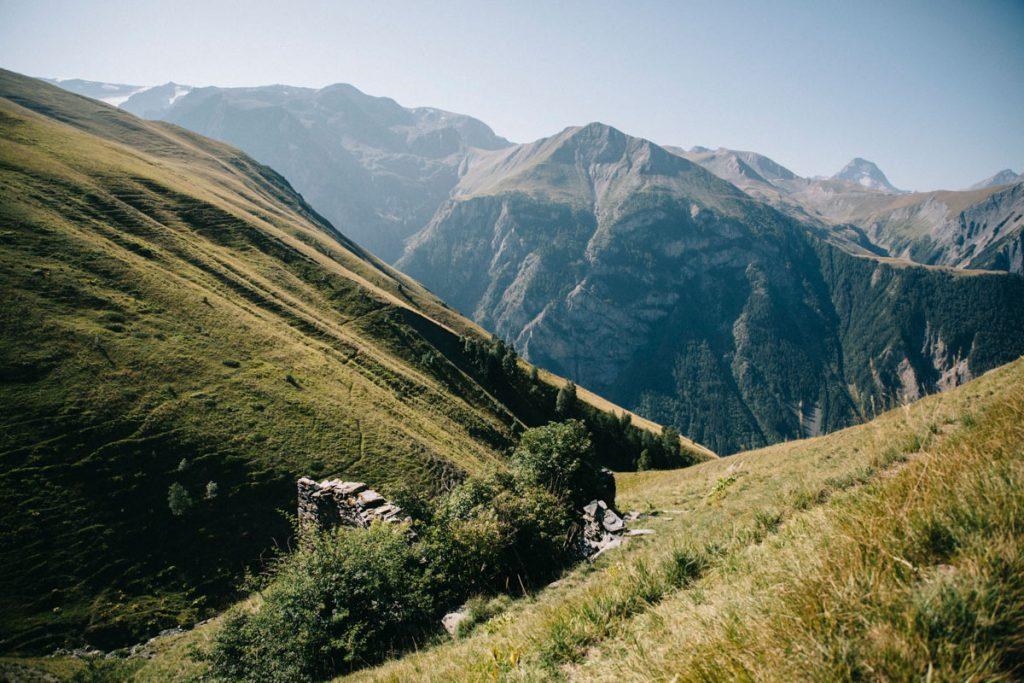 ruines du hameaux des alpe des verts