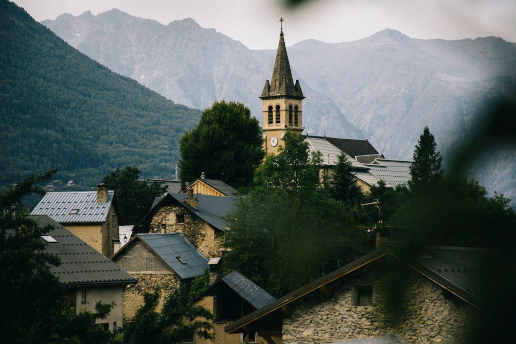 l'église du petit village de Mizoen
