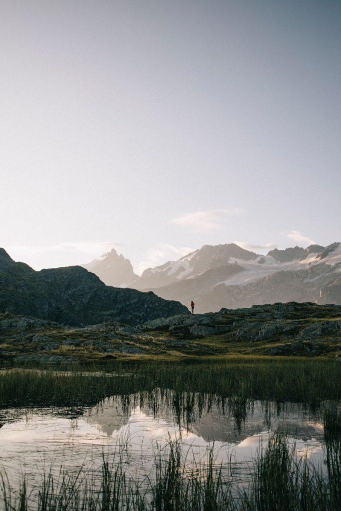 reflet sur le lac des mouterres au petit matin