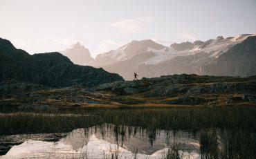 le lac de smouterres avec le massif des Écrins