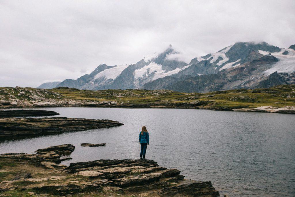 le lac noir et les glaciers des ecrins