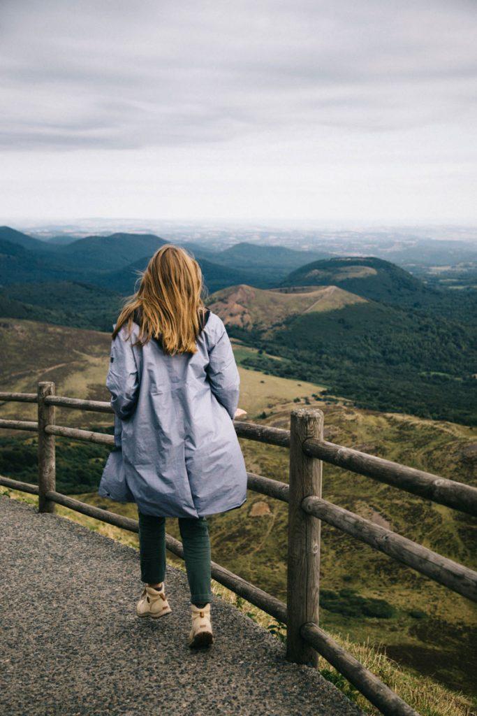 les sentiers au sommet du puy de Dôme
