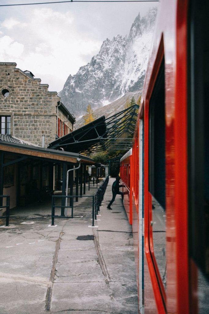 le petit train qui va à la mer de Glace à Montenvers