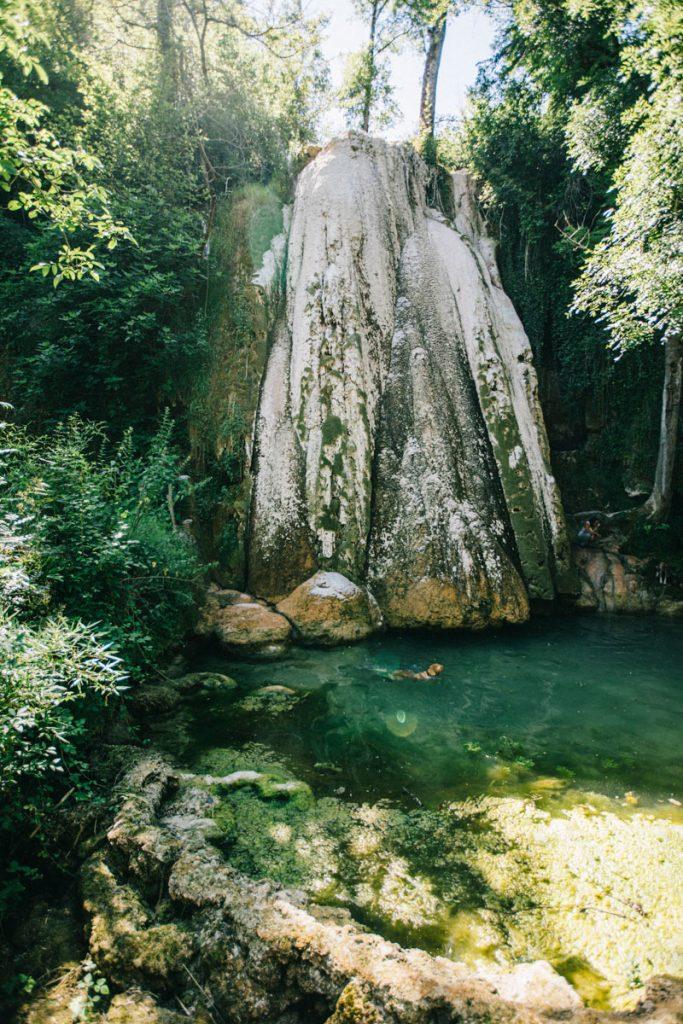 la cascade pétrifiante de Caylus