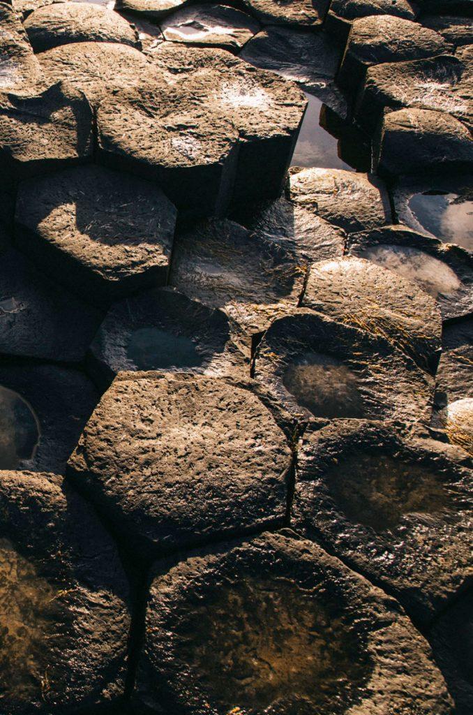 les roches basaltique sur le chaussée des Geants
