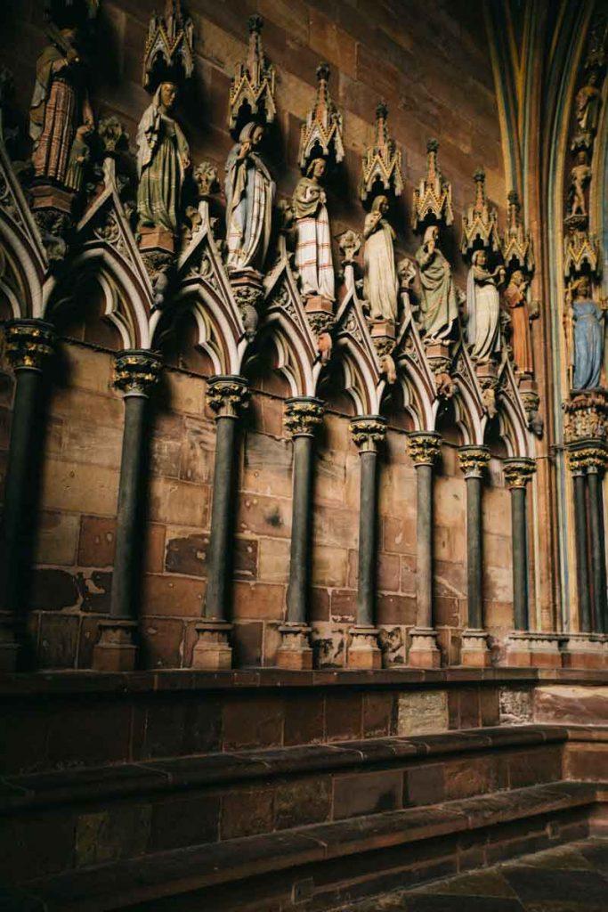 l'entrée de la cathédrale de fribourg