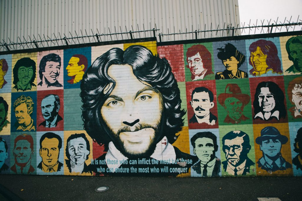 les greviste de la faim sur le mur de la paix à Belfast