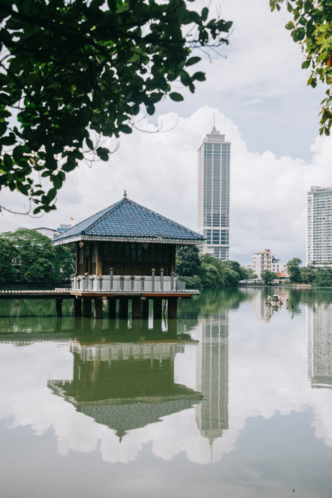 visiter les temple dans la capitale Colombo