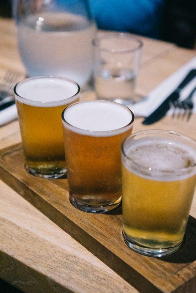 un trio de bières locales à Derry