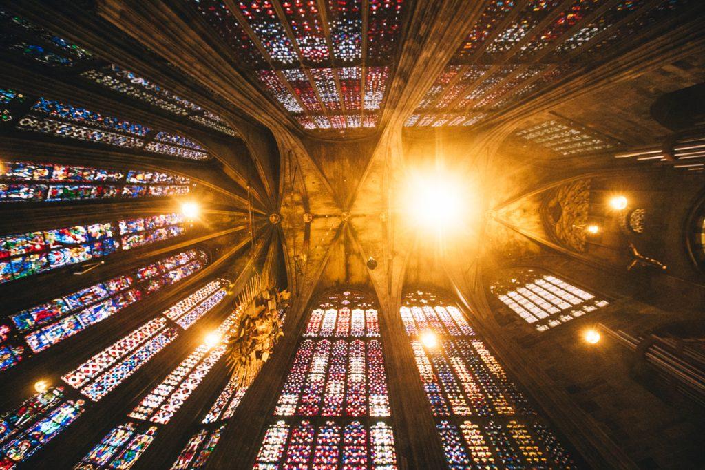 le coeur de la cathédrale d'Aix-la-Chapelle est la réplique de la Sainte-Chapelle