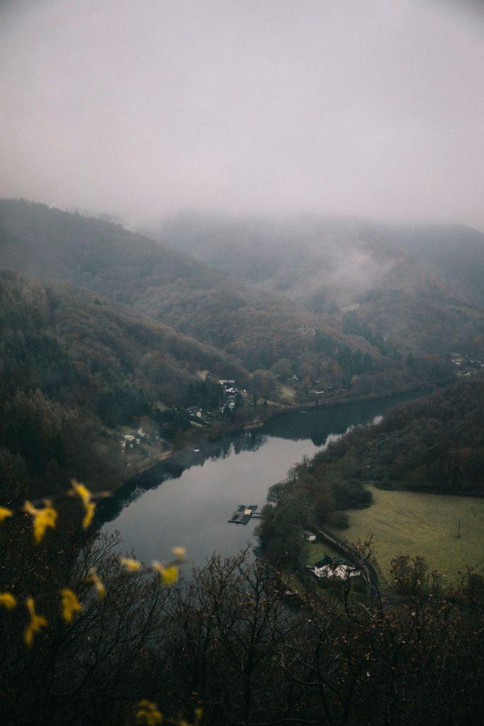 l'un des beau point de vue sur le Rur dans le parc national d'Eifel