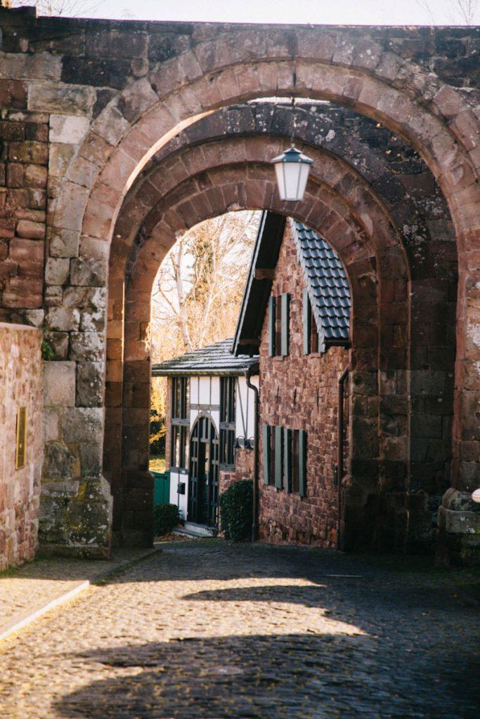 Accéder au chateau fort de Niddegen