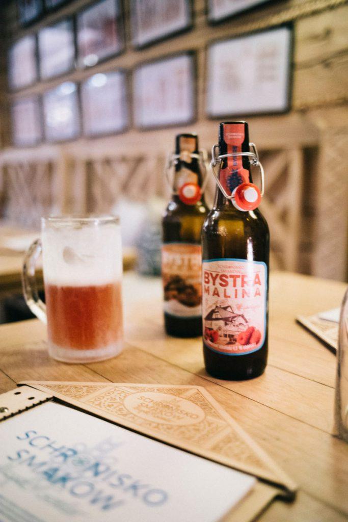 une bière locale dans un restaurant autour de Zakopane