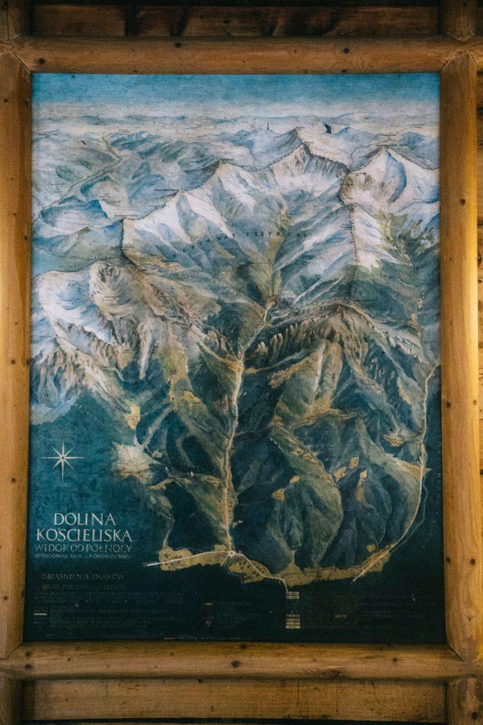 une carte vintage des randonnées dans les Tatras