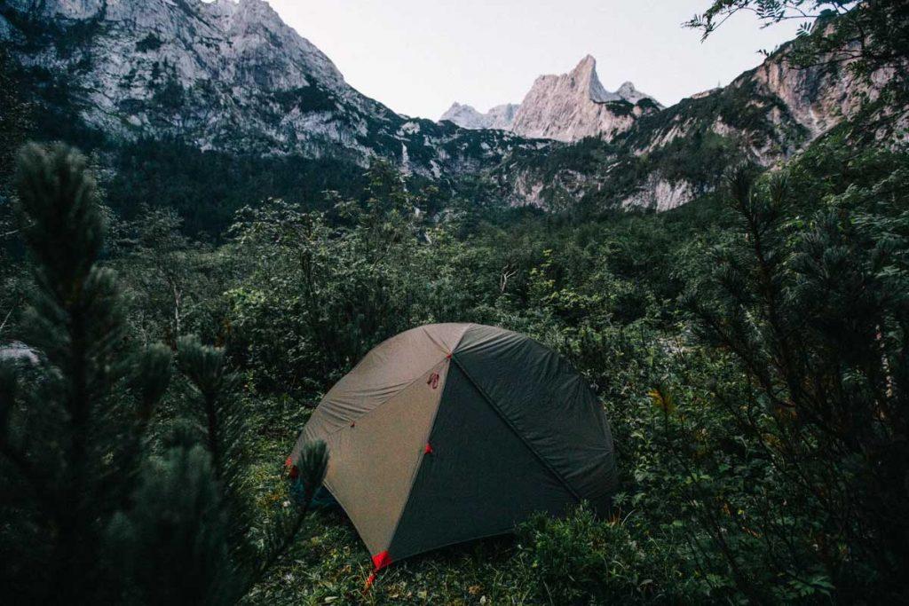 Notre camp à l'abri des regards au lac de Gosau en Autriche
