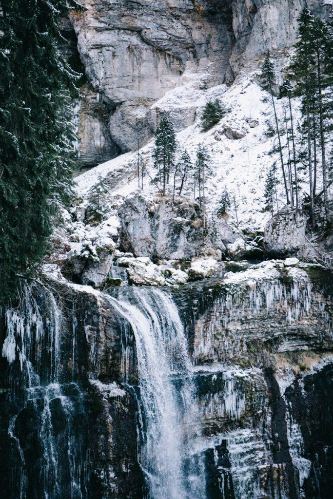 la grande cascade dans le massif de la Chartreuse, Randonnée dans le cirque de Saint-Même