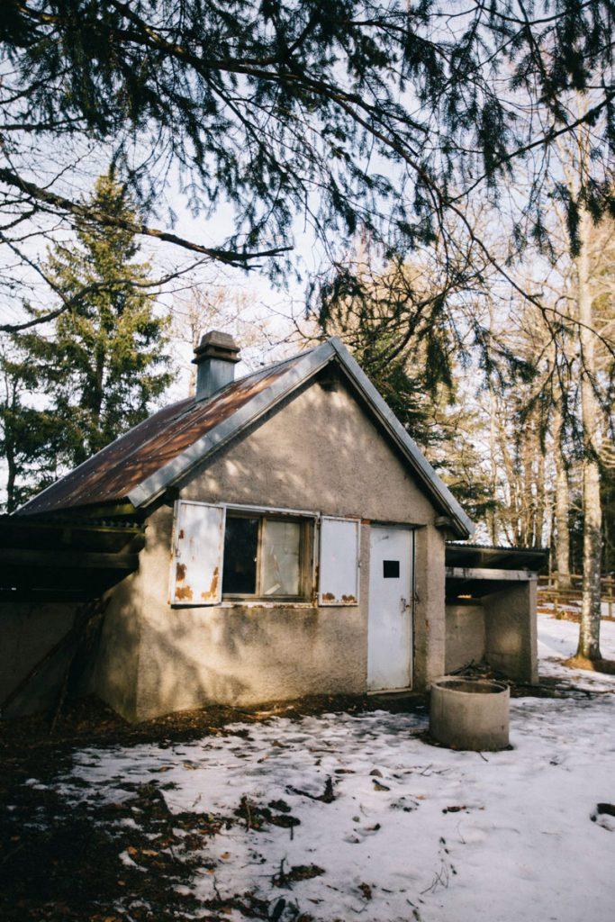 le refuge non gardé du col de Lauchen au pied du sommet du Klintzkopf