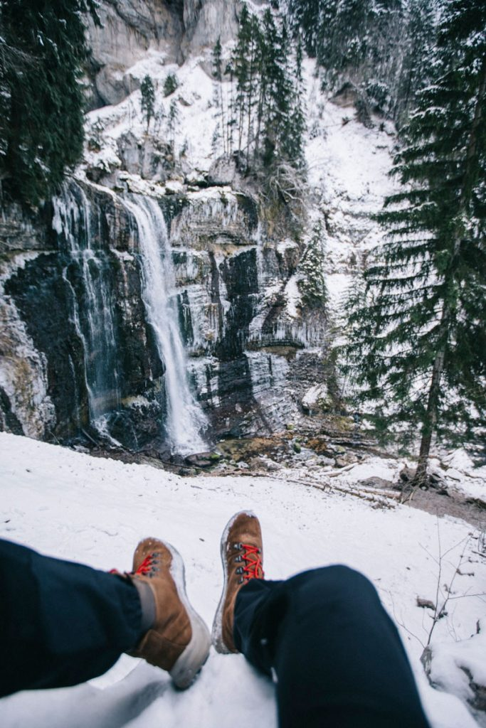 choisir le bon équipement pour randonner en hiver dans la chartreuse