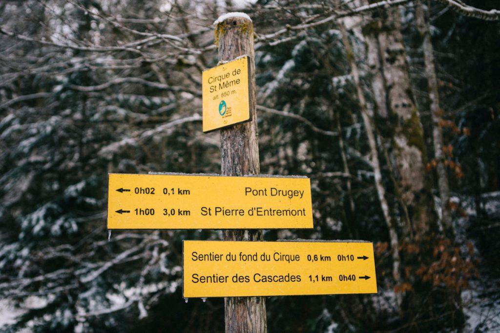 les différents sentiers de randonnées du cirque de Saint-Même