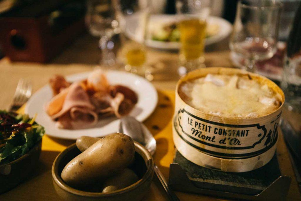 les plats savoyard u restaurant le Saint-Moritz au Corbier
