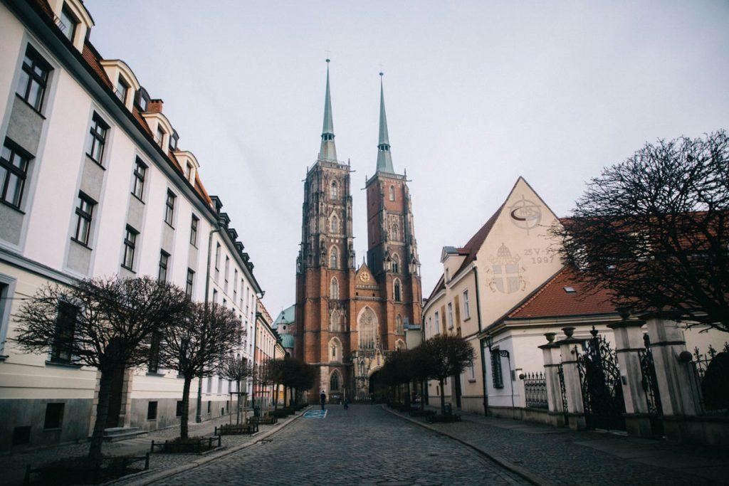 la cathédrale sur l'île dans la ville de Wroclaw