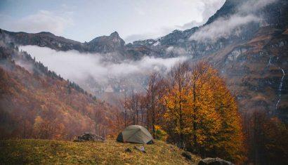 Le cirque de Sixt-Fer-à-Cheval pour une randonnée et camper dans la montagne en Haute-Savoie