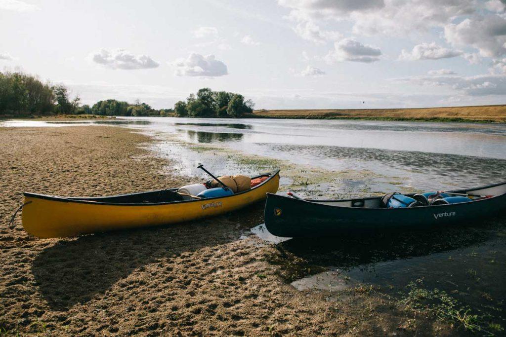 s'initier au canoë-bivouac avec destination H2O sur la Loire. Credit photo : wildroad / clara Ferrand