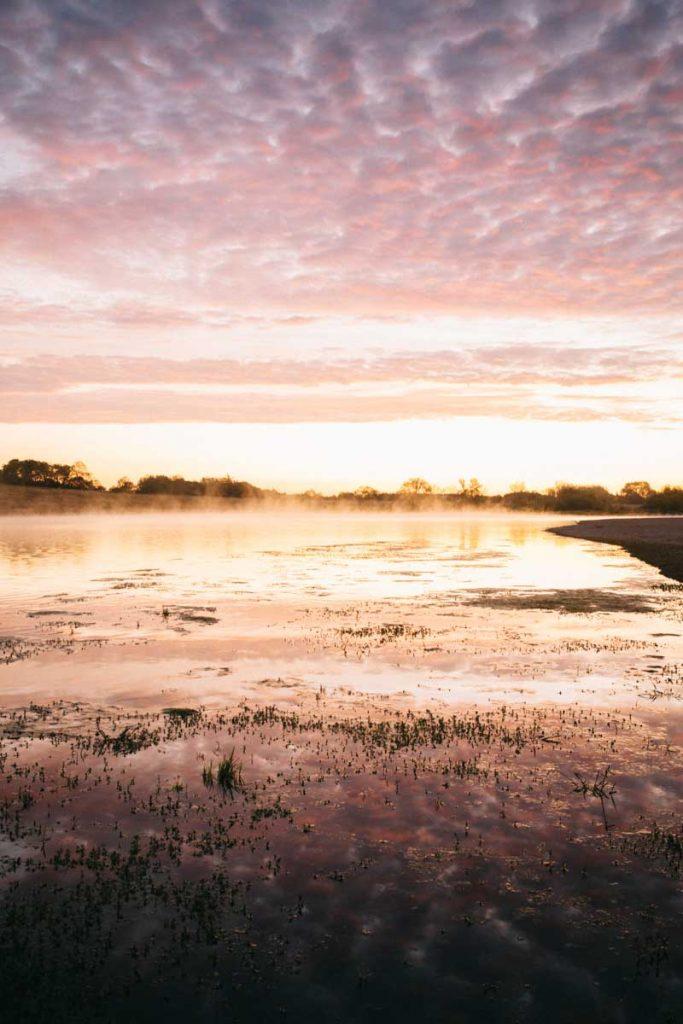 lever de soleil sur le fleuve le plus sauvage d'Europe, la Loire