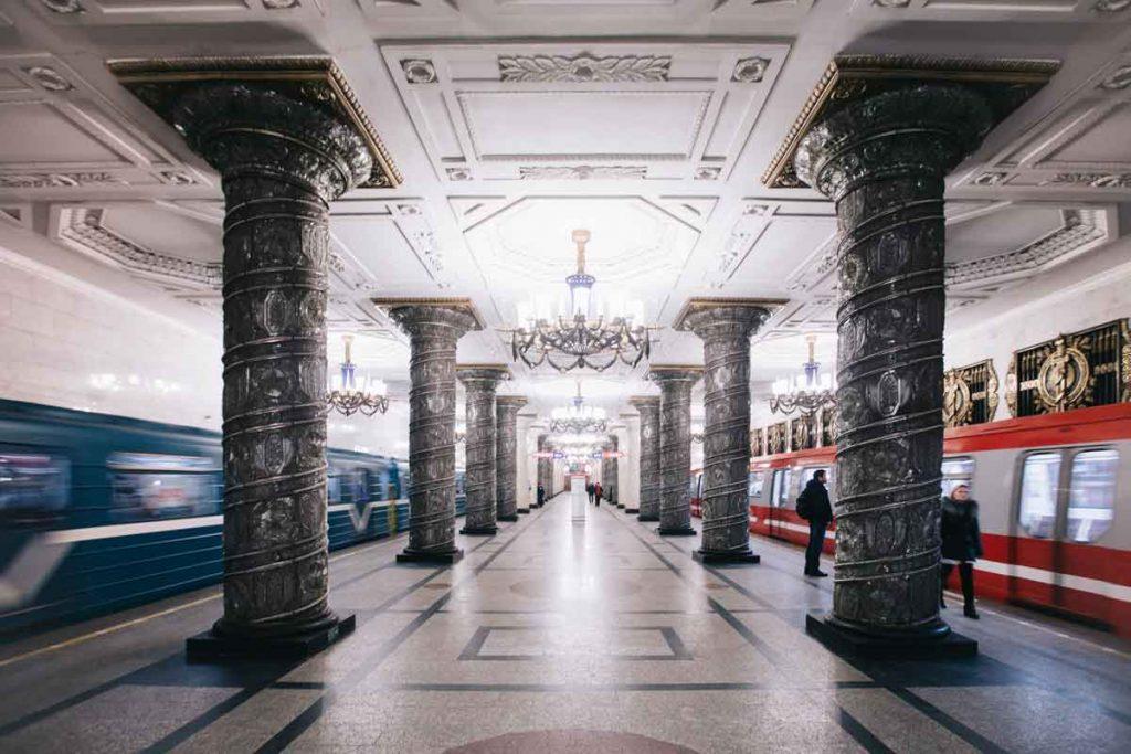 Le métro de Saint-Petersbourg en Russie