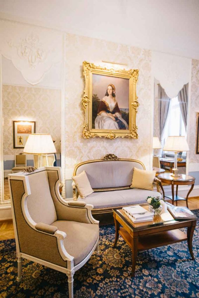 La suite mariinsky dans le Grand hôtel Europe à Saint-Petersbourg