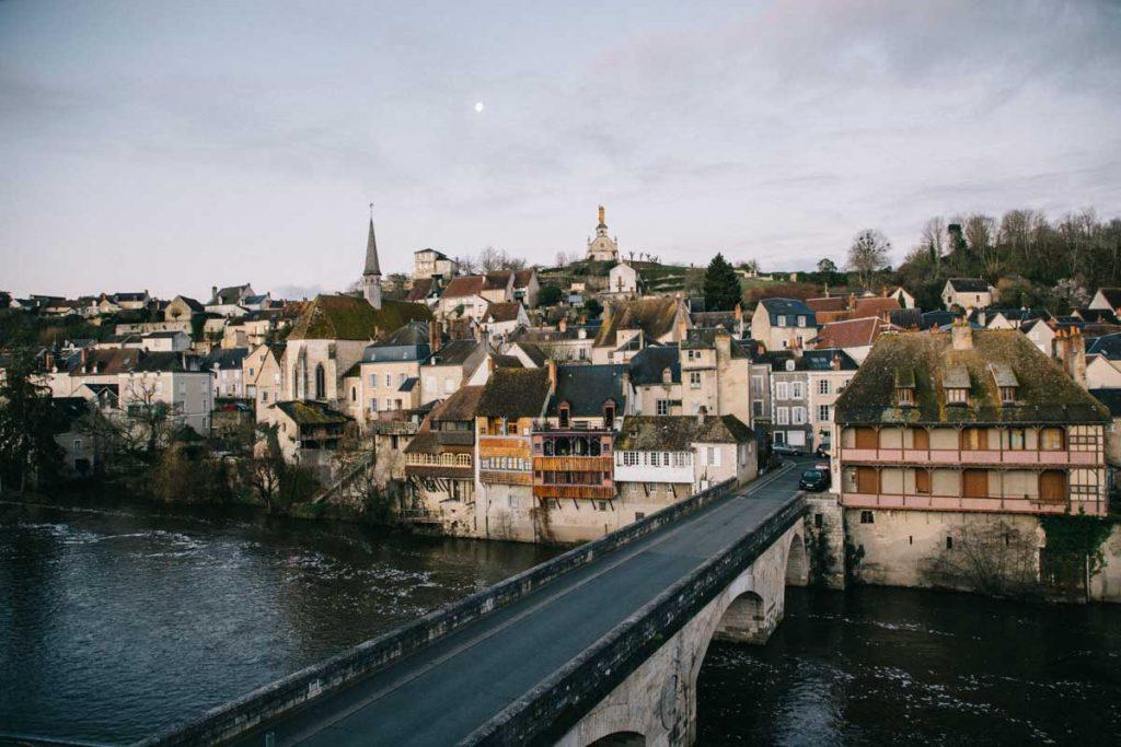 La vue sur Argenton-sur-Creuse depuis les vieille maison du pont chambre d'hôte. crédit photo : Clara Ferrand - blog Wildroad