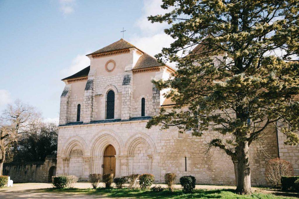Église romane du 12 ème siècle à Ciron dans le Berry. crédit photo : Clara Ferrand - blog Wildroad
